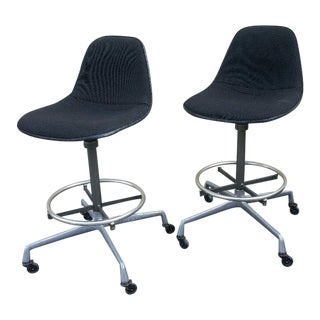 1970s Vintage Charles Eames Herman Miller Black Hopsack Upholstered Aluminum Drafting Chairs - a Pair For Sale