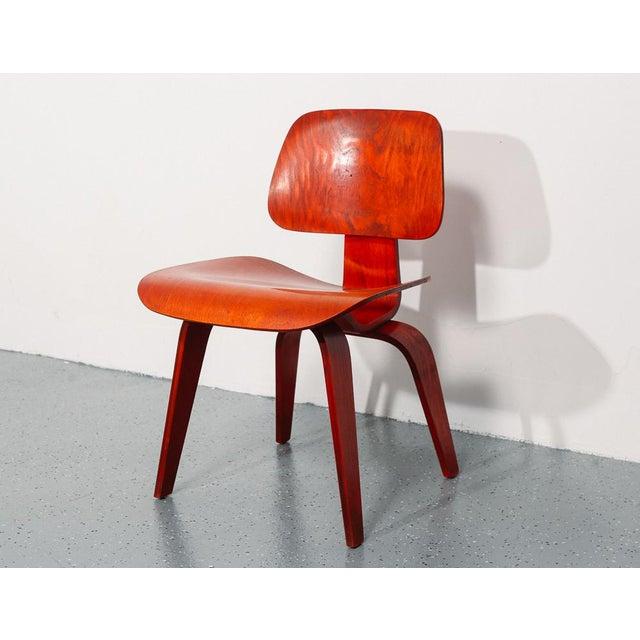 Vintage Herman Miller Chairs >> 1950 S Vintage Eames Dcw Chair For Herman Miller Chair