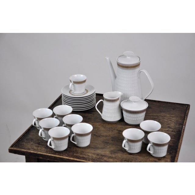 Winterling Marktleuthen Bavaria Mid-Century Modern Embossed Diamonds Coffee Pot Porcelain 23 Pieces Set For Sale - Image 4 of 10