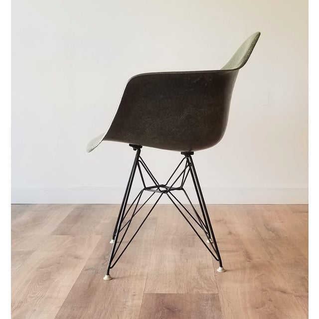 Mid-Century Modern 1960s Olive Green Eames DAR Eiffel Chair For Sale - Image 3 of 13