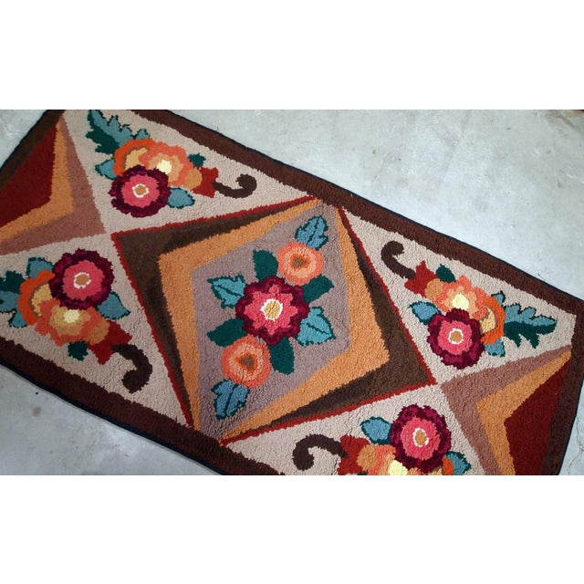 Early 20th Century 1930s Handmade Antique American Hooked Rug 2.6' X 4.6' For Sale - Image 5 of 9