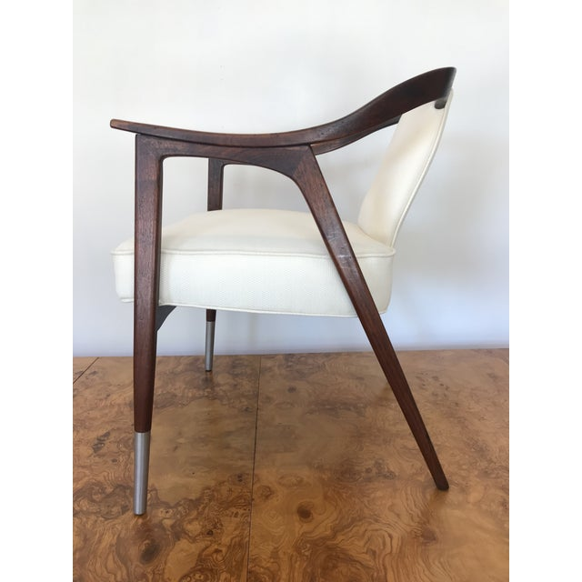 1950s Sculptural Mid-Century Modern Walnut Occasional Armchair Attributed to Gio Ponti Edward Wormley Home Office For Sale - Image 9 of 13