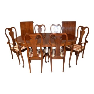 Vintage Thomasville Queen Anne Dining Table & Chairs For Sale
