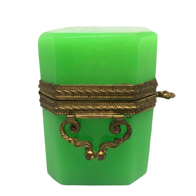 19th Century French Green Opaline Glass Casket For Sale In Charleston - Image 6 of 8