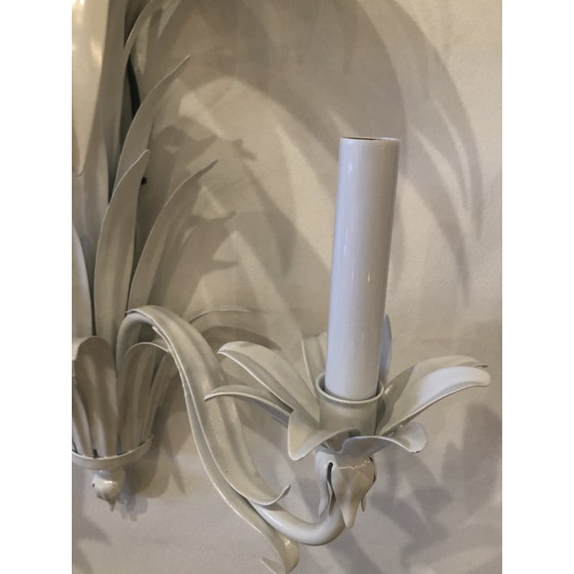 1970s Vintage Palm Beach Italian White Metal Palm Frond Leaves Wall Light Sconces-A Pair For Sale - Image 5 of 13