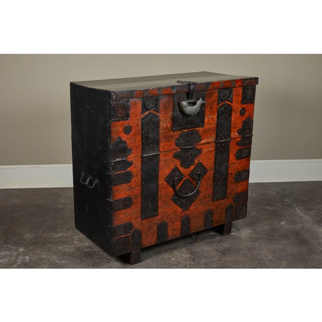 Asian 19th Century Korean Chest For Sale - Image 3 of 10