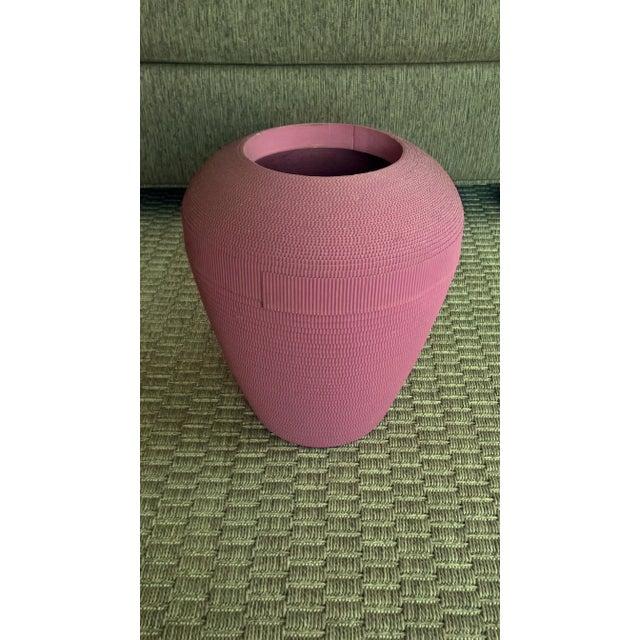 1980s Flute of Chicago Modern Dusty Rose Corrugated Cardboard Vase - Image 2 of 6