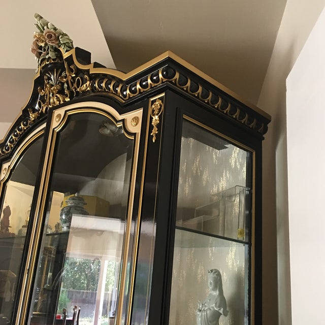 Italian Lacquer Glass Showcase Cabinet With Flower - Image 7 of 11