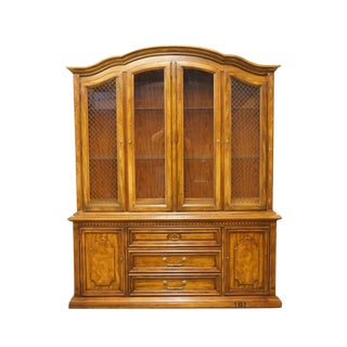 20th Century Traditional Stanley Furniture Lighted Fruitwood China Cabinet For Sale