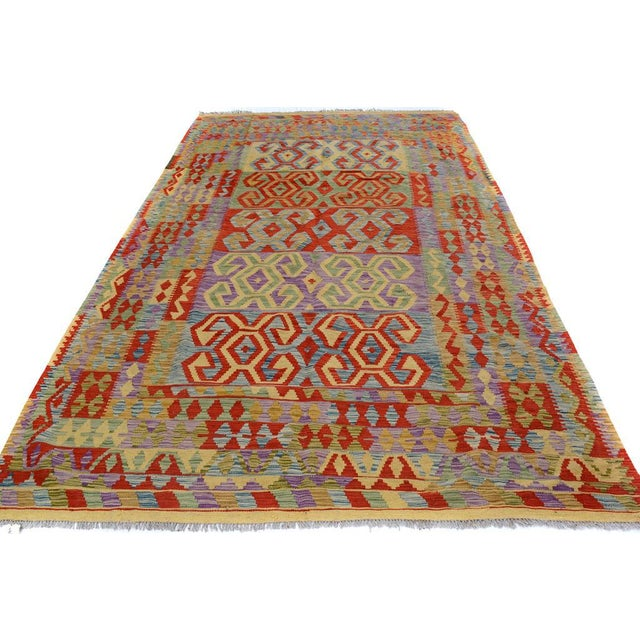 "Kilim Arya Jarrod Gold/Red Wool Rug - 6'5"" X 9'8"" A9288 For Sale - Image 4 of 7"