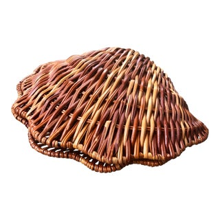 Vintage Wicker Woven Rattan Clam Shell Box For Sale