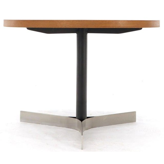 Mid-Century Modern Aluminum Inlay Walnut Top Tri Legged Side End Table For Sale - Image 3 of 12