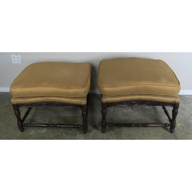 French Louis XV Style Walnut Benches With Loose Cushions Circa 1900s, Pair For Sale In Los Angeles - Image 6 of 9