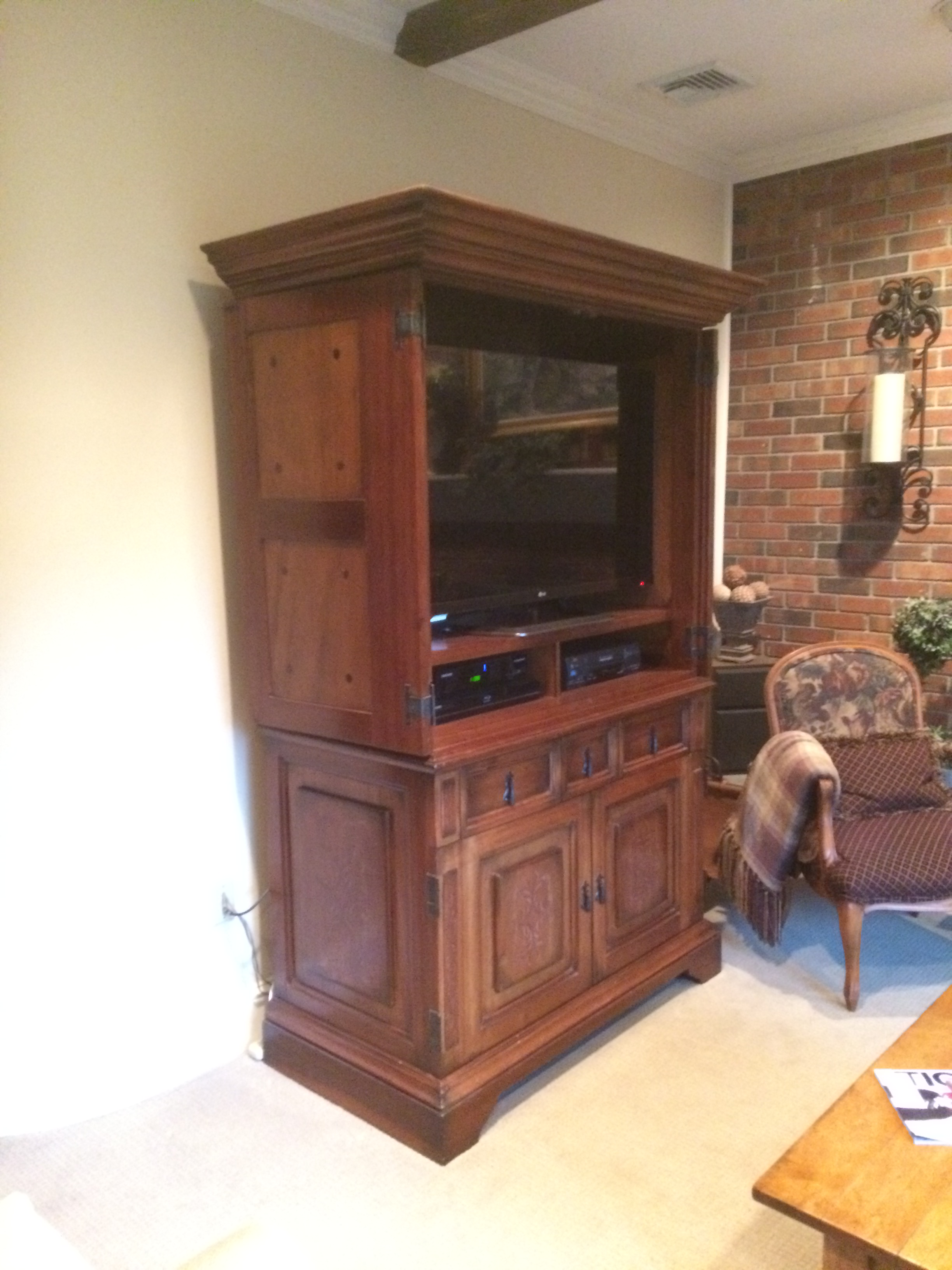 South Cone Trading Traditional Wooden Media Cabinet/Armoire   Image 2 Of 7