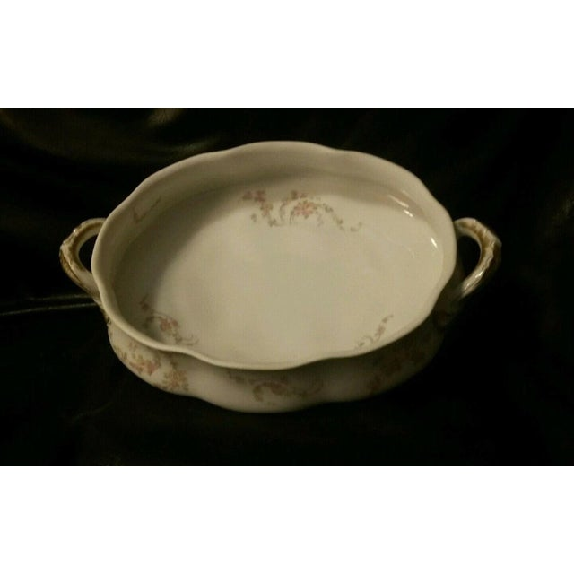 Late 19th Century Haviland Limoges France Oval Covered Vegetable Bowl Schleiger 233a For Sale - Image 5 of 7