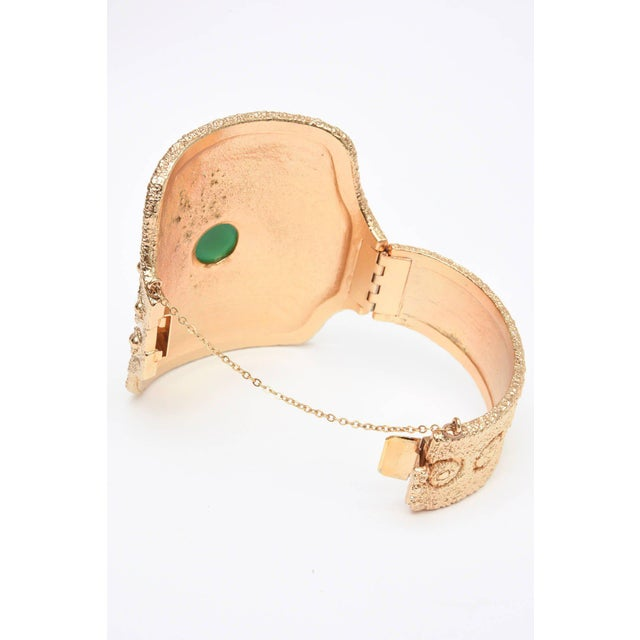 Vintage Napier Textural Gold Plated Green Glass Cuff Bracelet For Sale In Miami - Image 6 of 10