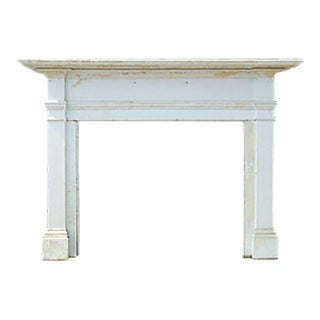 1830 Federal Style White Painted Wooden Mantel For Sale