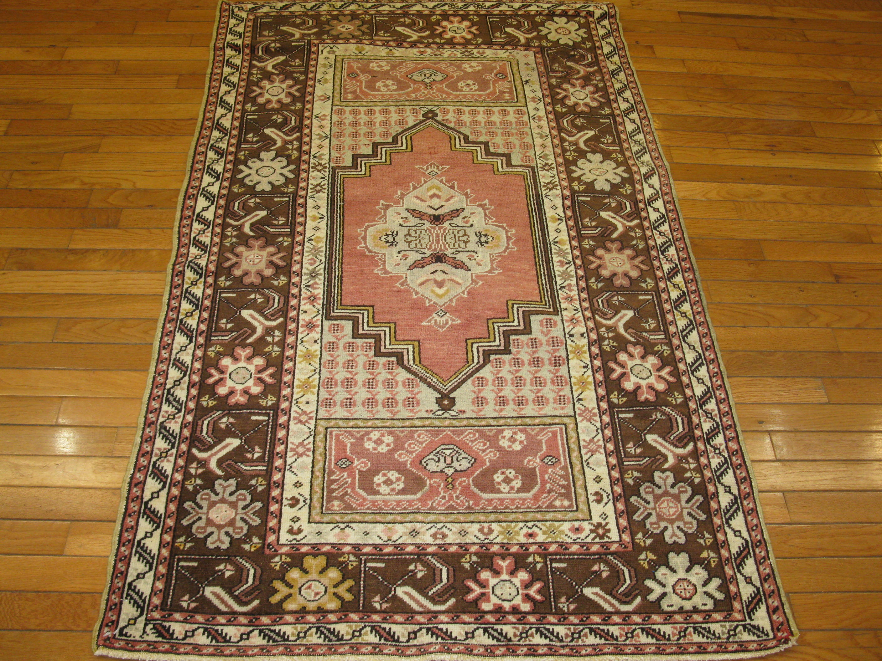 """What Makes Turkish Rugs Great How You Can Read The Design Of A Turkish Rug: Vintage Handmade Turkish Anatolian Rug - 3'3""""X5'8"""""""