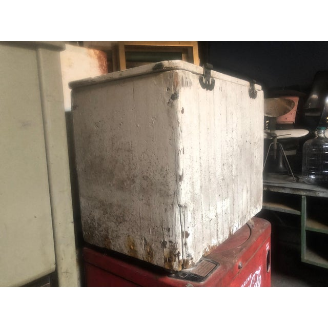 1970s Vintage Old Home Bread Retail Display and Storage Box For Sale In Sacramento - Image 6 of 13