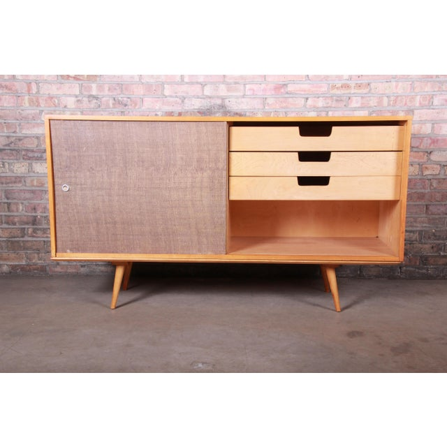 Brown Paul McCobb Planner Group Mid-Century Modern Solid Maple Sideboard Credenza, 1950s For Sale - Image 8 of 13