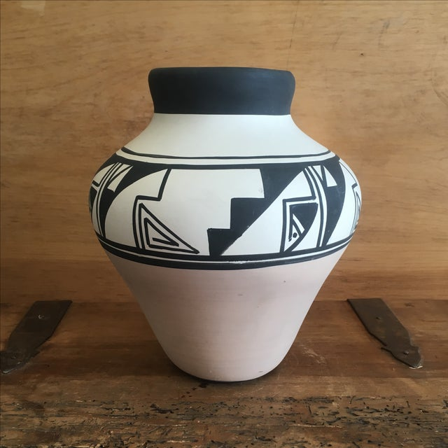 This piece of Native American pottery, hand made by Ruth Root for Ute Mountain Pottery ,is in great vintage condition!...