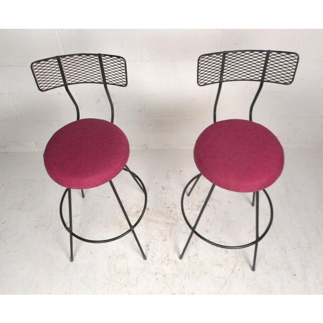 1970s Pair of Vintage Modern Swivel Bar Stools For Sale - Image 5 of 7