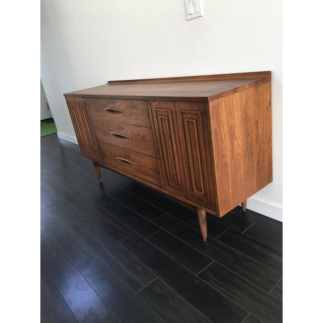 Brown 160s Mid Century Modern Broyhill Sculptura Walnut Credenza For Sale - Image 8 of 13