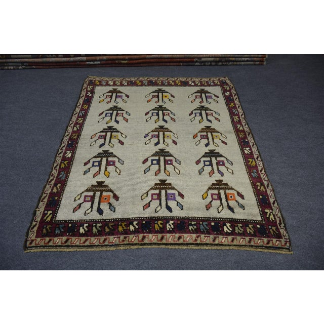 "Vintage Turkish Anatolian Decorative Rug - ′3'10""x4'6"" For Sale - Image 10 of 10"