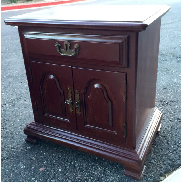 Kling Colonial Mahogany Wood Nightstands - A Pair - Image 6 of 11