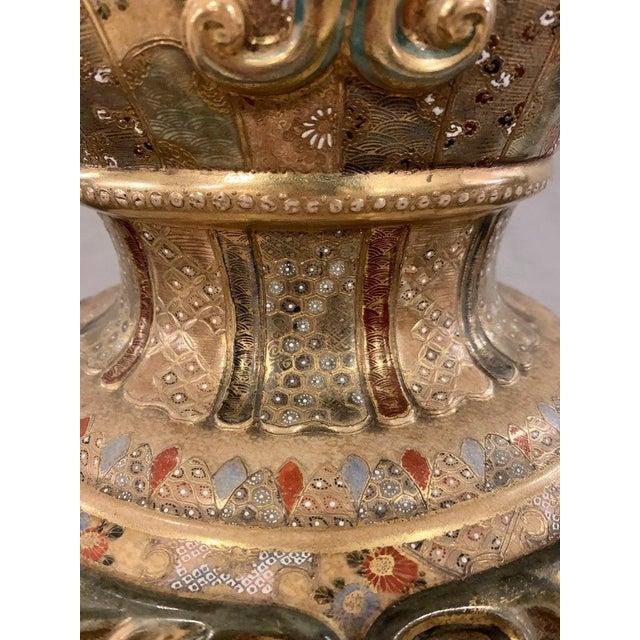 Satsuma Thousand Face Vase or Urn Palace Sized Twin Handled For Sale - Image 11 of 13