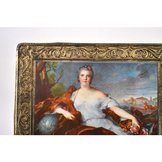 Vintage Italian Pagani Lecco Biscuit Tin With 18th-Century Aristocrat Portrait For Sale In San Francisco - Image 6 of 9