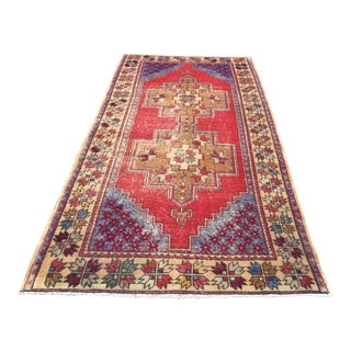 1980s Handwoven Anatolian Oushak Rug - 4′7″ × 8′9″ For Sale