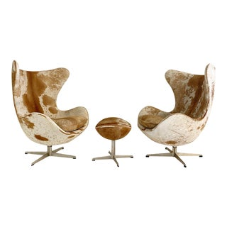 Arne Jacobsen Egg Chairs and Ottoman in Brazilian Cowhide For Sale