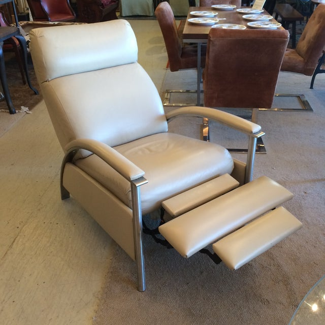 Sleek Leather Recliner Chair - Image 3 of 5