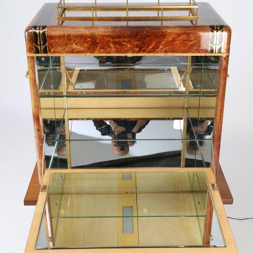 Gold 1950S ALDO TURA GOATSKIN BAR CABINET WITH SERVING TRAY For Sale - Image 8 of 10