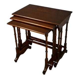 1980s Ethan Allen Mahogany Traditional Style Stacking Tables - Set of 3 For Sale