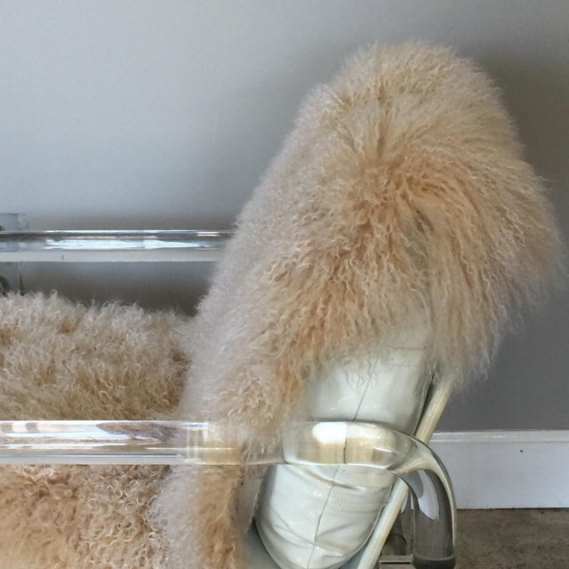 Welcoming Mongolian Lamb Lucite Armchair For Sale In Los Angeles - Image 6 of 10