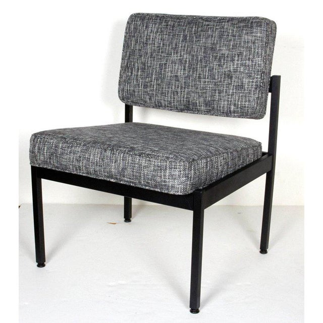 Mid-Century Modern Industrial Tweed Chair in the Style of Knoll For Sale In New York - Image 6 of 10