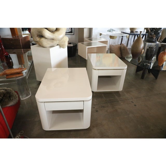 White 1980s Vintage Steve Chase Designed Lacquer and Brass Nightstands- A Pair For Sale - Image 8 of 13
