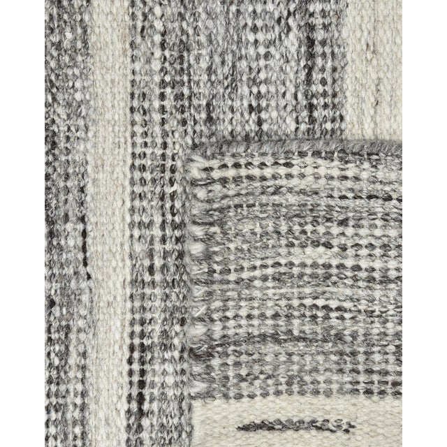 Contemporary Lorrena, Contemporary Flatweave Hand Woven Area Rug, Gray, 9 X 12 For Sale - Image 3 of 9