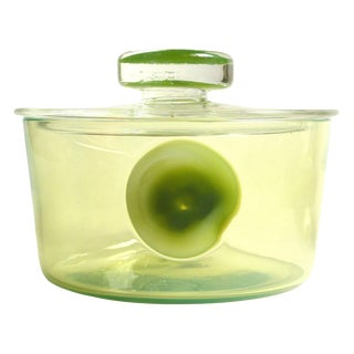 Fratelli Toso Murano Apple Green a Pentoni Italian Art Glass Jewelry Powder Box For Sale