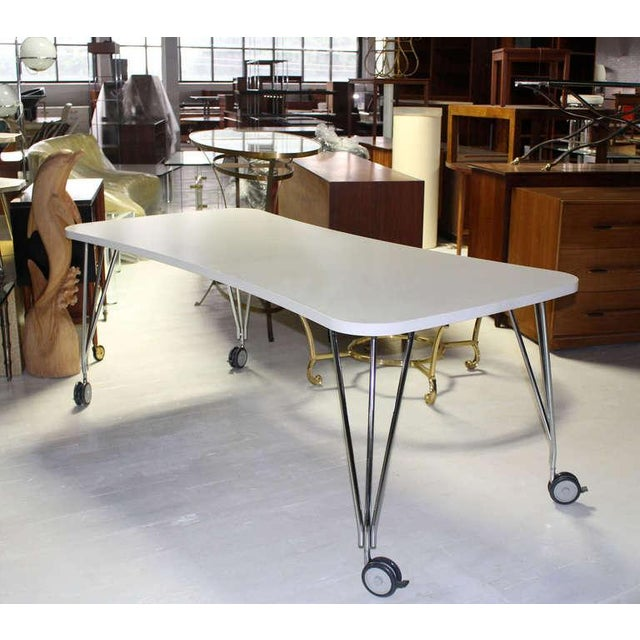 White 1990s Vintage Medium Kartel Max Dining or Conference Table For Sale - Image 8 of 11