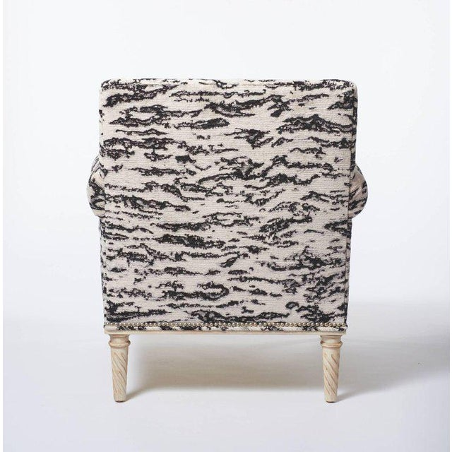 Schumacher Schumacher Jansen Serengeti Tigre Blanc Chenille Maplewood-Legged Sock Arm Chair For Sale - Image 4 of 6