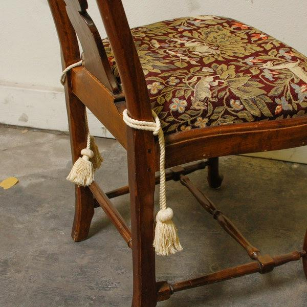 Red 1990s Queen-Anne Style Fiddleback Mahogany Side Chair For Sale - Image 8 of 10