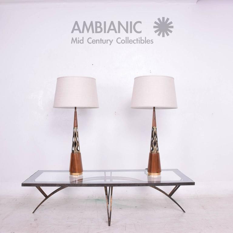 Lovely Pair Of Mid Century Modern Walnut Brass Table Lamps Decaso