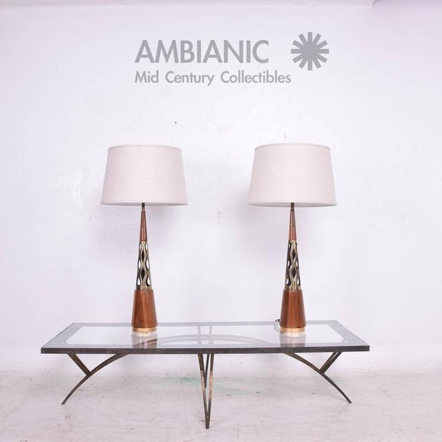 Pair of Mid-Century Modern Walnut & Brass Table Lamps For Sale - Image 9 of 10