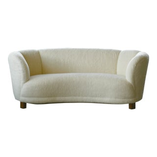 Danish 1940s Curved Banana Shape Sofa in Lambswool in the Style of Viggo Boesen For Sale