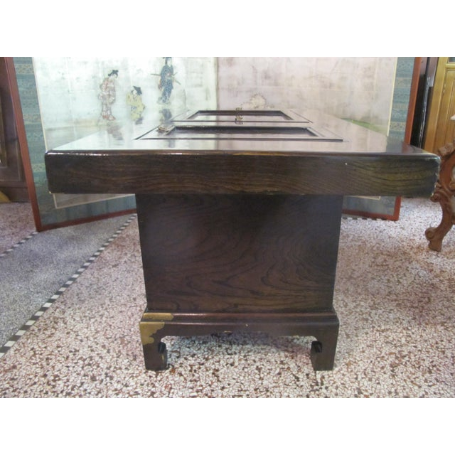 Japanese Dark Wood Grain Hibachi Coffee Table With Drawers For Sale In Portland, OR - Image 6 of 11
