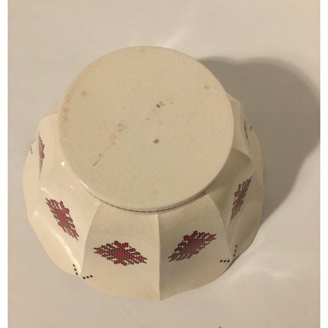 Traditional Mid 20th Century Mid 20th Century Ukrainian Folk Art Pottery Bowl Needlepoint Pattern For Sale - Image 3 of 6