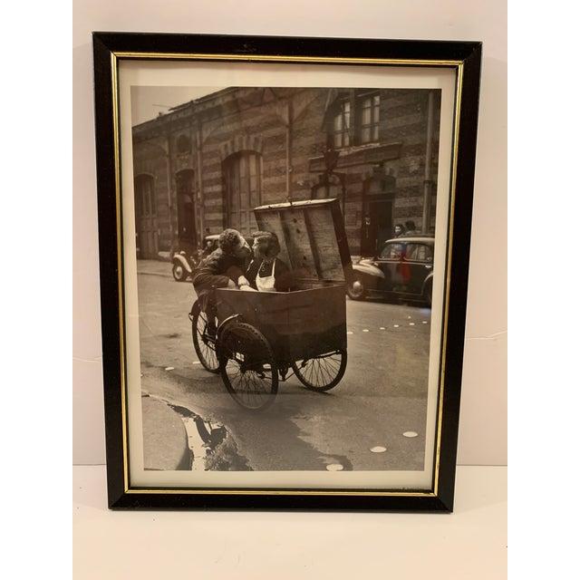 1990s Robert Doisneau Graphique De France Photo Reprint Offset Lithographs - Set of 5 For Sale In Detroit - Image 6 of 13